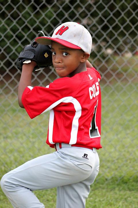 kid pitching